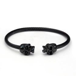 Čierny náramok ATÀLE s čiernymi lebkami